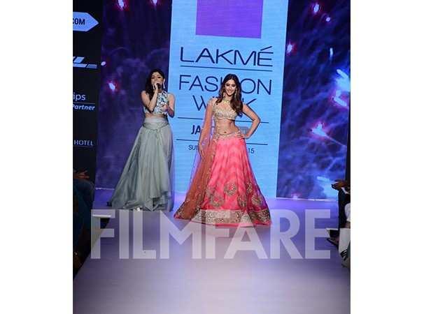 Kanika Kapoor and Ileana DCruz