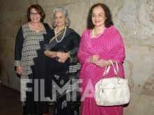 Helen, Waheeda Rehman, Asha Parekh watch TWMR