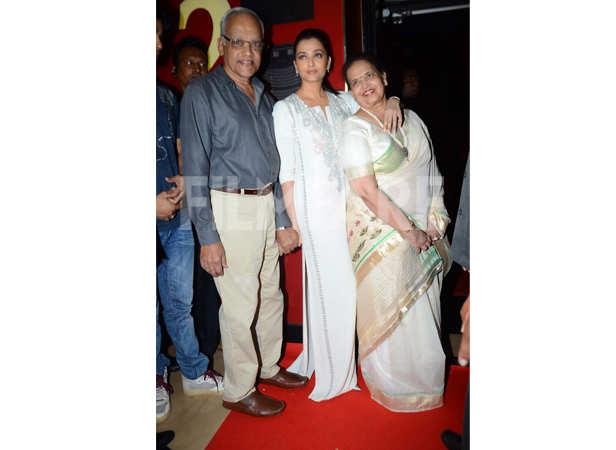 Aishwarya Rai Bachchan with parents, Krishnaraj and Brindya Rai