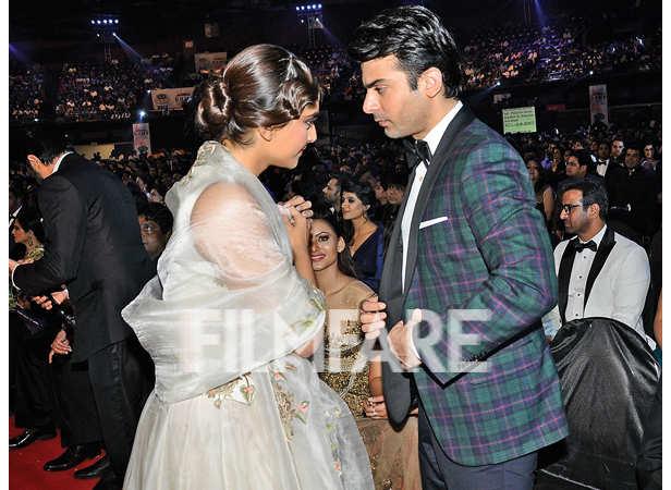 Sonam Kapoor has a word with Fawad Khan