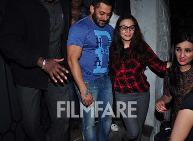 Salman Khan, Preity Zinta and Sussanne KhanSalman Khan and Preity Zinta