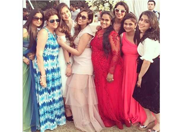 Arpita Khan clicked with her friends