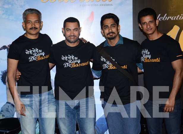 Atul Kulkarni, Aamir Khan, Siddharth and Sharman Joshi