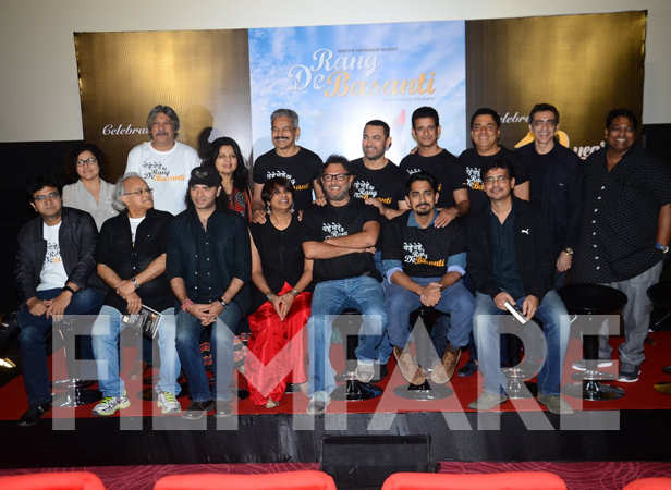 The cast and crew of Rang De Basanti
