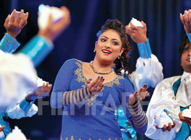 Haripriya sashayed to her Kannada hits