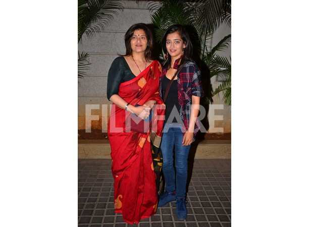 Sarika and Akshara Haasan