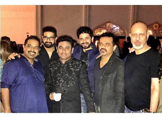 Shankar Mahadevan, A.R. Rahman, Loy, Ehsaan, Chris Martin