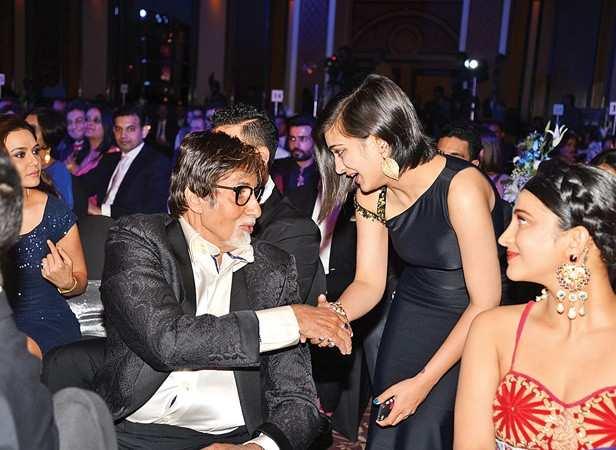 Amitabh Bachchan and Akshara and Shruti Hassan