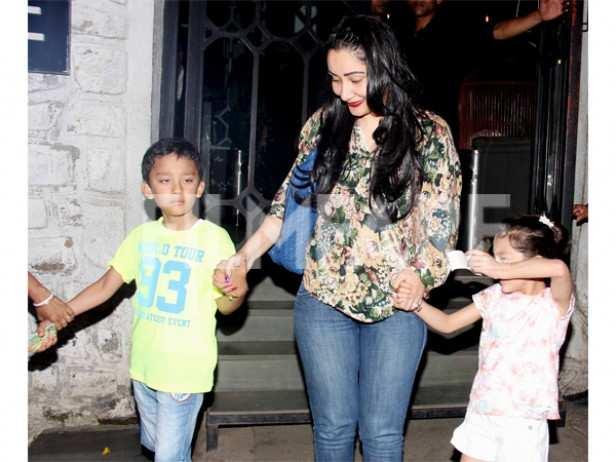 Shahraan Dutt, Manyata Dutt and Iqra Dutt