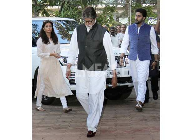 Amitabh Bachchan, Abhishek Bachchan and Aishwarya Rai Bachchan