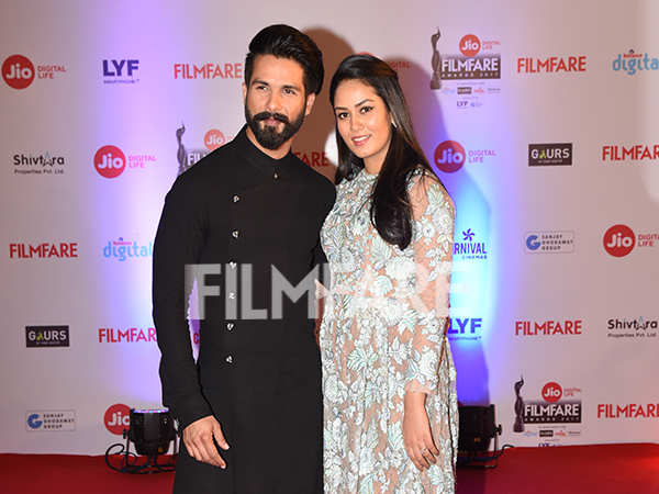Shahid Kapoor and Mira Rajput arrive at the Jio Filmfare Awards