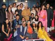Shabana Azmi, Kailesh Kher celebrate Kaifi Azmi's birth anniversary at his house