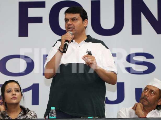 Amruta Fadnavis, Devendra Fadnavis and Jackie Shroff
