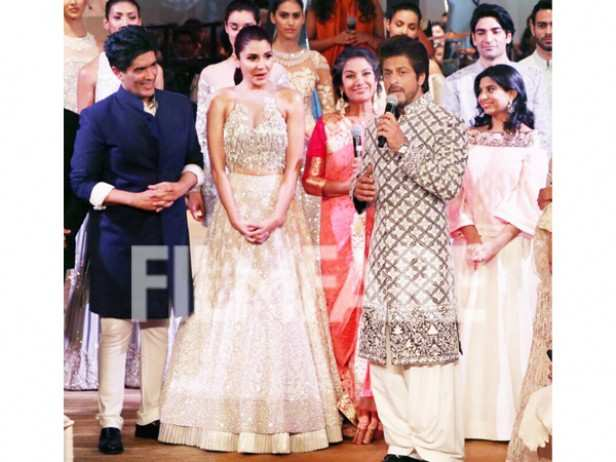 Shah Rukh Khan, Anushka Sharma and Manish Malhotra