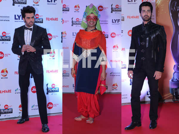 Our hosts Manish Paul, Ssumier Pasricha and Arjan Bajwa slay at the Jio Filmfare Awards (Punjabi)