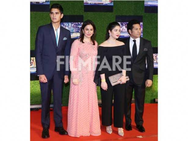 Arjun Tendulkar, Anjali Tendulkar, Sara Tendulkar and Sachin Tendulkar