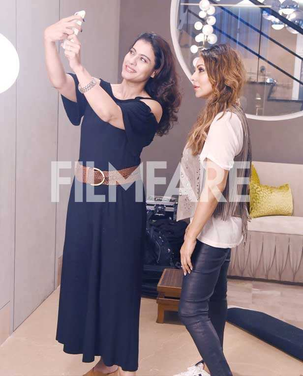 This is what happened when Shah Rukh Khan's real and reel life leading ladies, Gauri Khan and Kajol met