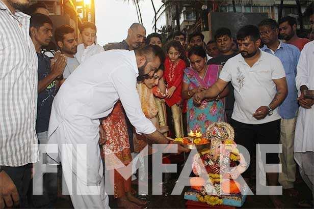 Sanjay Dutt, Manyata Dutt, Shahraan Dutt, Iqra Dutt