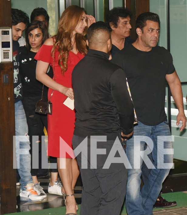 Salman Khan, Iulia Vantur, Karan Johar, Malaika Arora