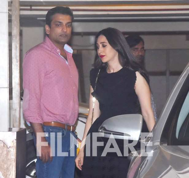 Karisma Kapoor,  Kareena Kapoor Khan, Sandeep Toshniwal,