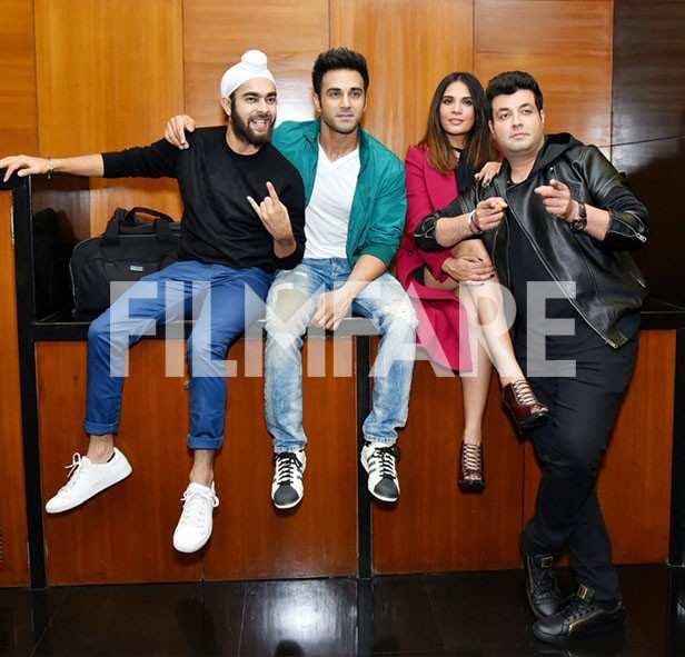 Manjot Singh, Pulkit Samrat, Richa Chadha, Varun Sharma,