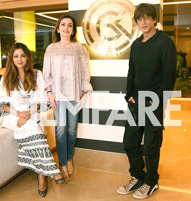Gauri Khan, Nita Ambani, Shah Rukh Khan