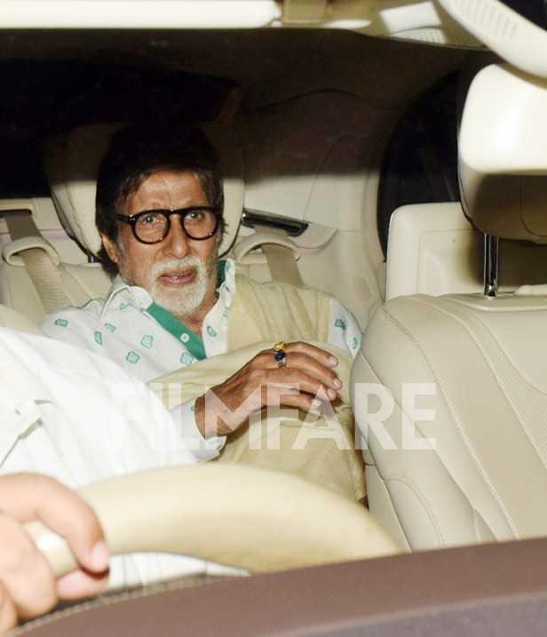 Amitabh Bachchan, Sonam Kapoor, Karan Johar, Sara Ali Khan, Amrita Singh, Hiroo Johar, Sonali Bendre