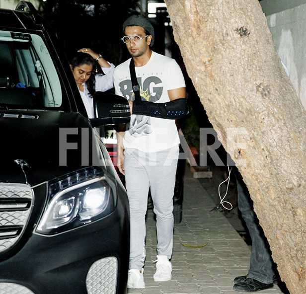 Ranveer Singh party hard at 'Gully Boy' wrap up party