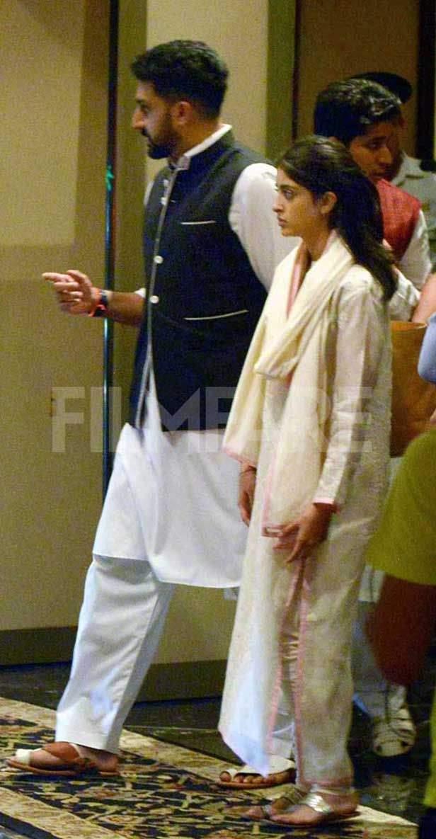 Amitabh Bachchan,  Shweta Bachchan, Nanda, Nikhil Nanda, Abhishek Bachchan, Navya Naveli Nanda