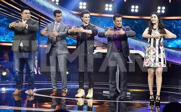 Salman Khan, Aayush Sharma, Warina Hussain, Manish Paul, Mika Singh, Ram Kapoor, Ronit Roy