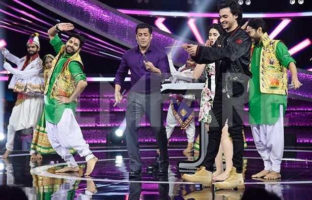 Mika Singh, Salman Khan, Manish Paul