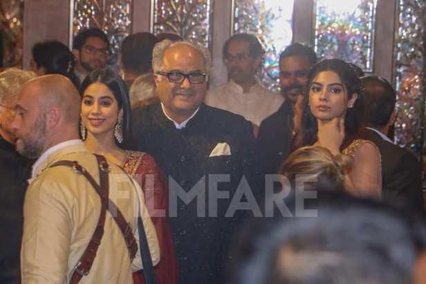 Janhvi Kapoor, Boney Kapoor, Khushi Kapoor