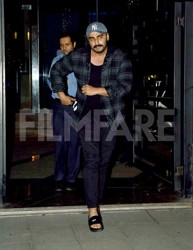 Date night! Malaika Arora and Arjun Kapoor head out for a romantic dinner