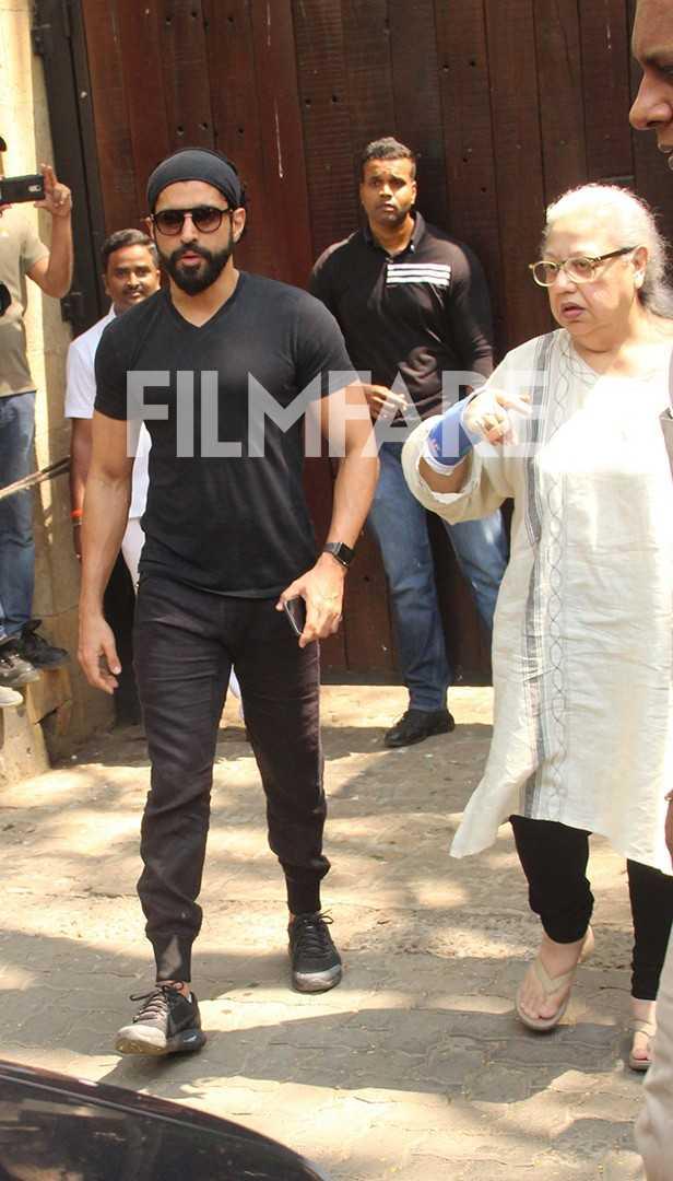 Farhan Akhtar, Shabana Azmi, Karan Johar, Krishna Kapoor, Tabu, Farah Khan, Saroj Khan