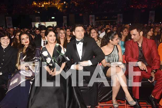 30 super starry inside pictures from the 63rd Jio Filmfare Awards 2018