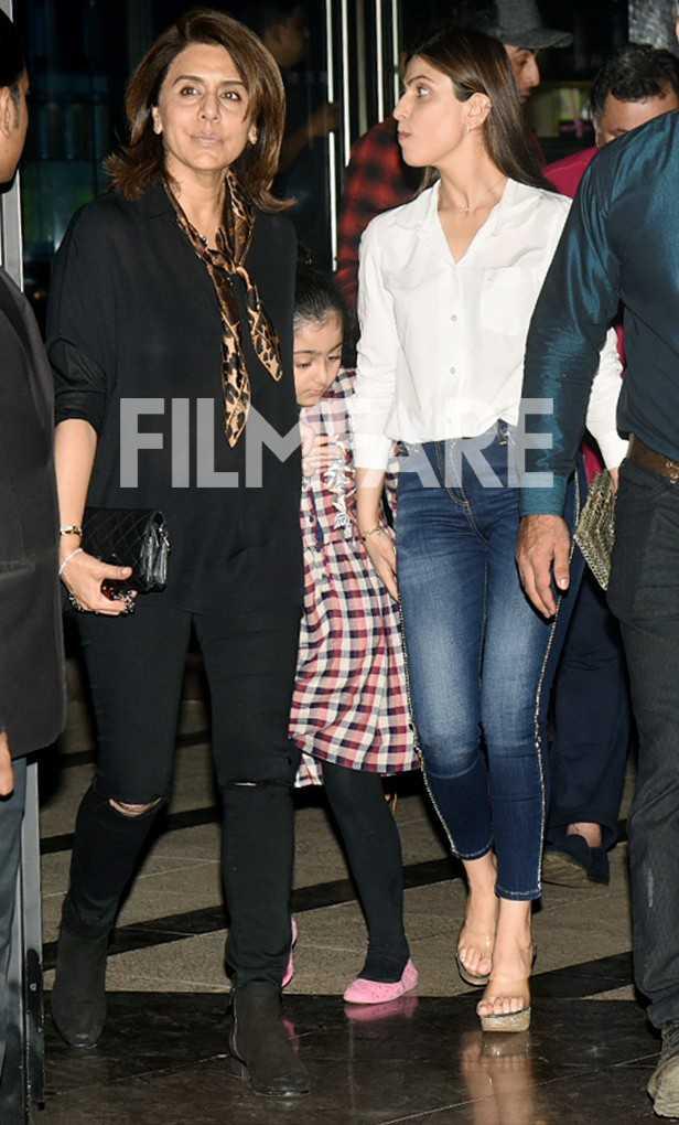 Neetu Kapoor, Samara Sahni, Riddhima Kapoor Sahani, Rishi Kapoor, Ranbir Kapoor