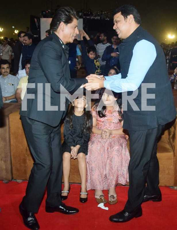 Shah Rukh Khan, Devendra Fadnavis
