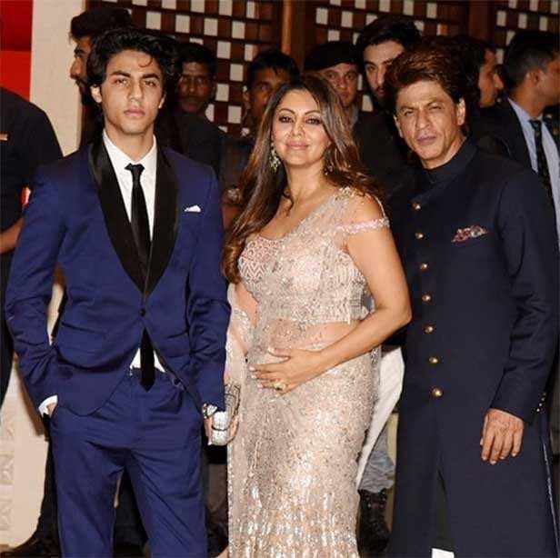 Aryan Khan, Gauri Khan, Shah Rukh Khan