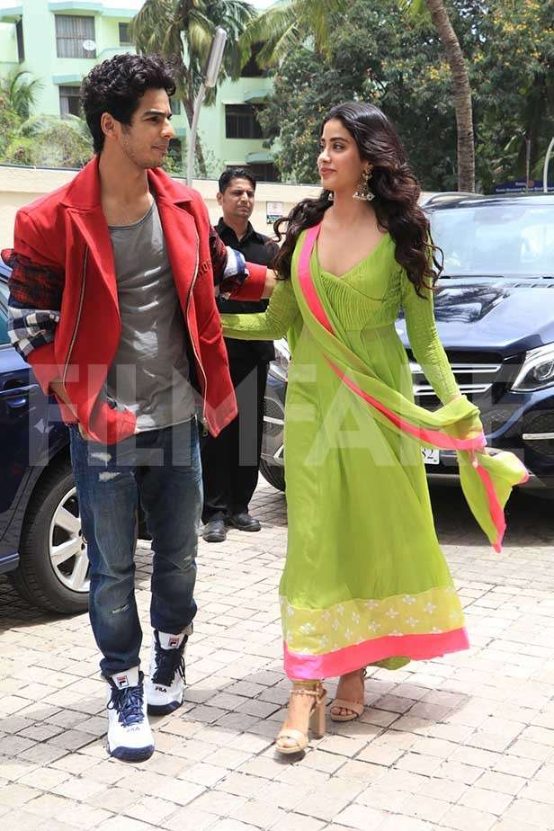 Ishaan Khatter, Janhvi Kapoor, Karan Johar, Sanjay Kapoor, Maheep Kapoor, Shanaya Kapoor, Jahaan Kapoor