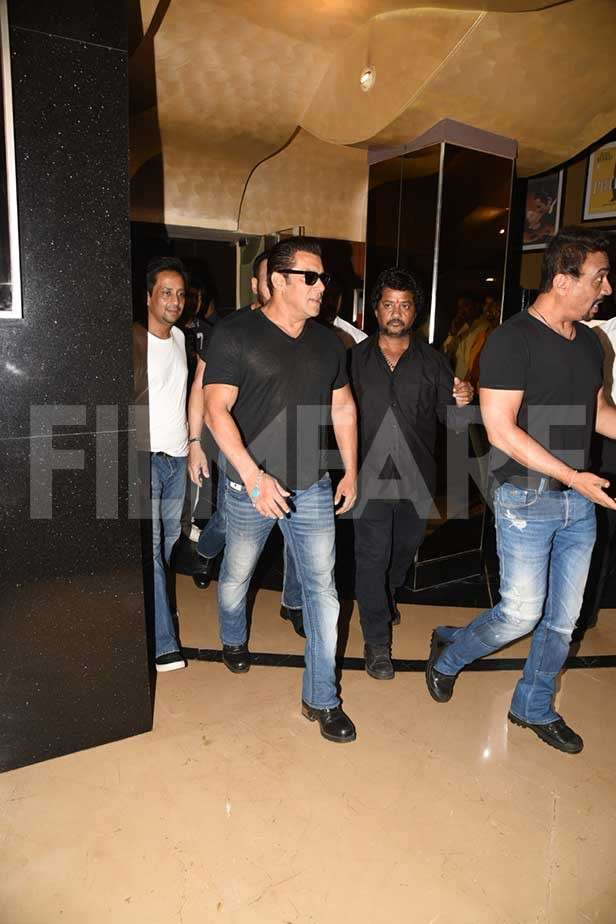 Salman Khan, Jacqueline Fernandez, Bobby Deol, Saqib Saleem, Ramesh Taurani