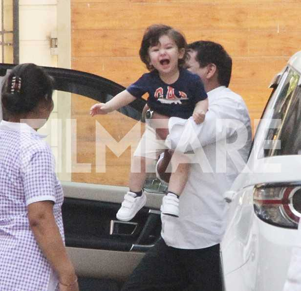 These pictures of Taimur Ali Khan bubbling with joy in the company of mom Kareena Kapoor Khan are the cutest thing on the Internet right now