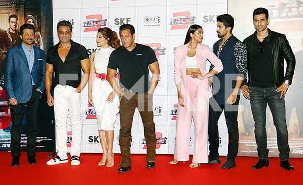 Anil Kapoor, Bobby Deol, Jacqueline Fernandez, Salman Khan, Daisy Shah, Saqib Saleem