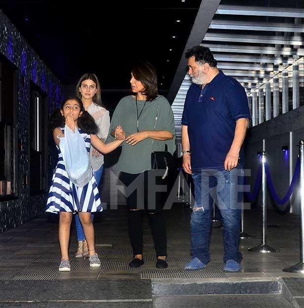 Rishi Kapoor, Neetu Kapoor, Riddhima Kapoor Sahani, Samara Sahni