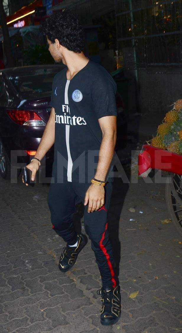 Date night! Janhvi Kapoor and Ishaan Khatter enjoy their quality time together