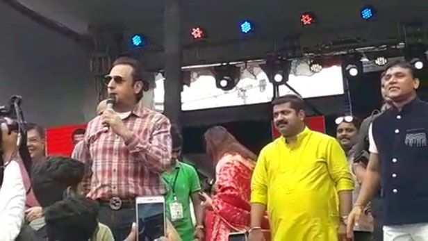 Varun Dhawan, Raveena Tandon, Aayush Sharma and others ...