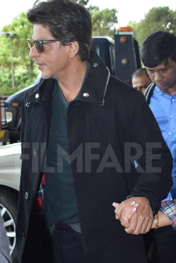 Shah Rukh Khan travels to London with daughter Suhana Khan