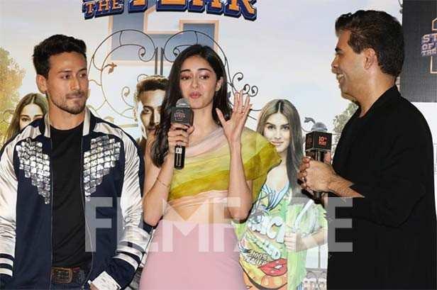 Tiger Shroff gets a kiss from Tara Sutaria and Ananya Panday at SOTY 2 trailer launch