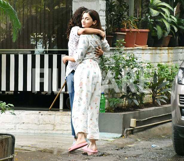 Alia Bhatt keeps it cool and causal as she's snapped in the city