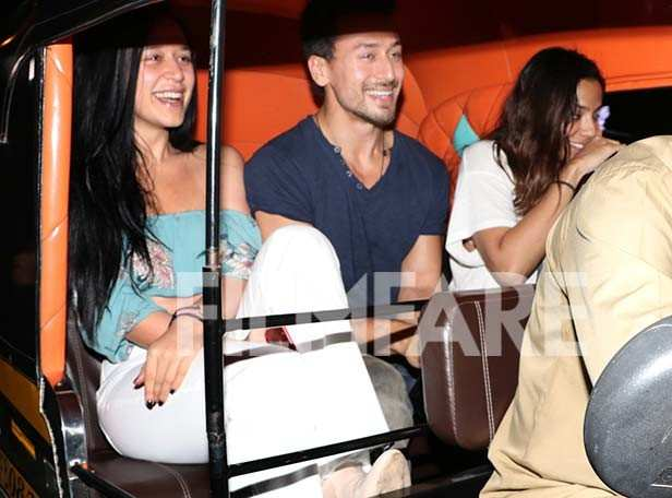 Tiger Shroff takes a rickshaw ride with sister Krishna Shroff