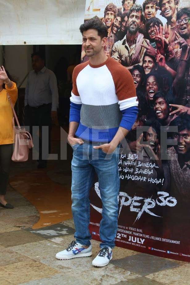 Hrithik Roshan and Mrunal Thakur step out to promote Super 30